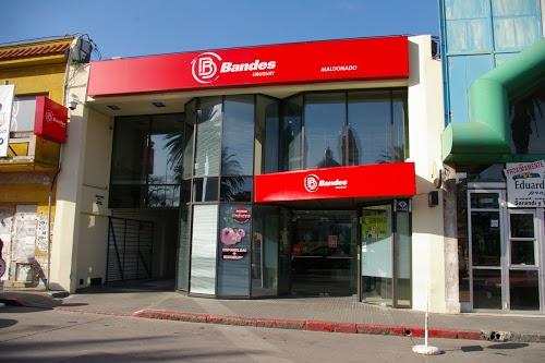 Foto de Banco Bandes Sucursal Maldonado