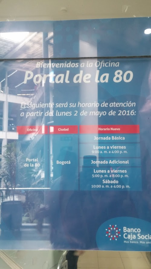 Foto de Banco Caja social C.c Portal De La 80