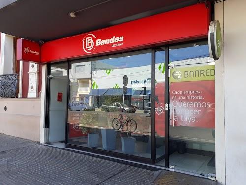 Foto de Banco Bandes Sucursal Artigas