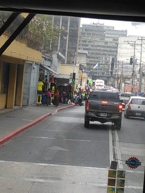 Foto de Banco Industrial 17 Calle
