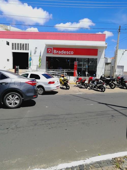Foto de Banco Bradesco Picarra-Urb. Teresina