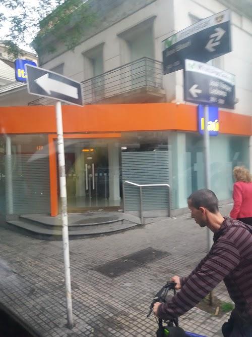 Foto de Banco Itaú 180-36