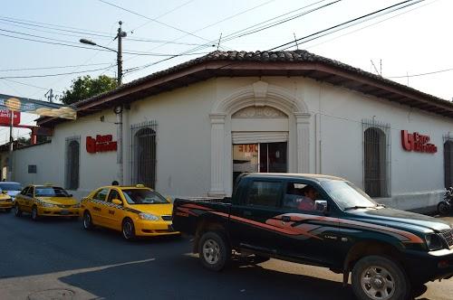 Foto de Banco Atlántida San Miguel