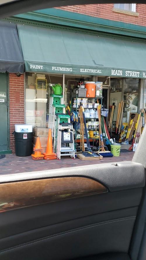 Foto de Main Street Hardware Inc